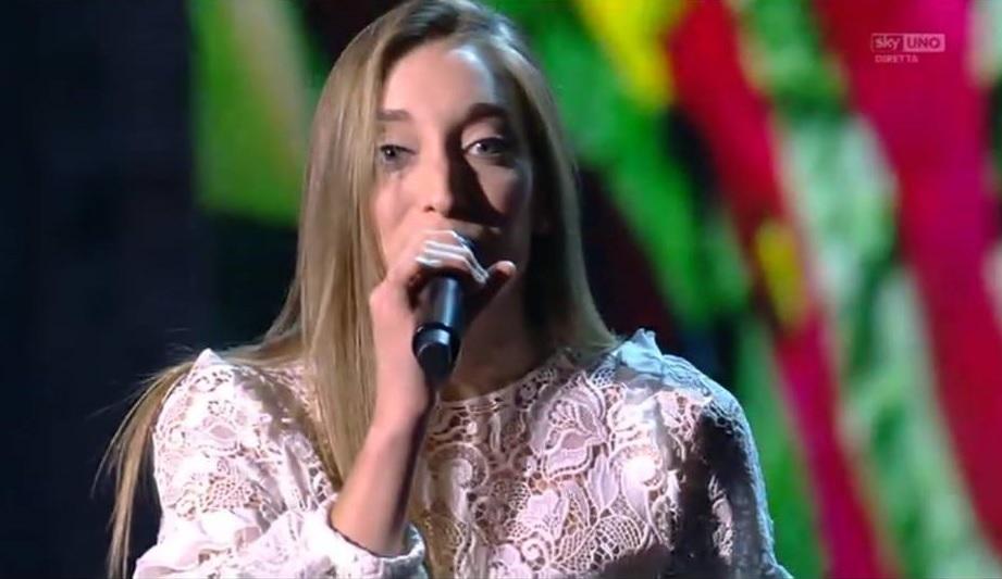 X Factor 10, quinto live. Ballottaggio incredibile per Eva, eliminata Caterina Cropelli